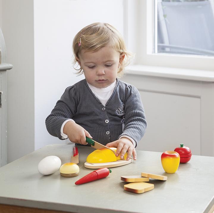 Дървен комплект за рязане- кутия Готови за закуска- аксесоар за детска дървена кухня-дървени играчки(4)-bellamie
