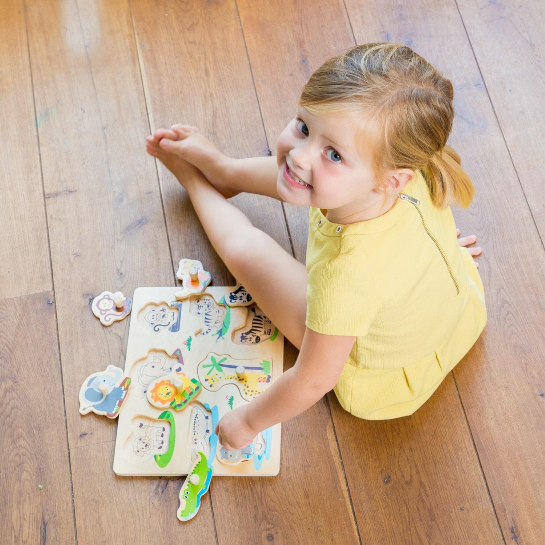 Детски дървен пъзел с дръжки -Живота в джунглата от New classic toys-bellamiestore