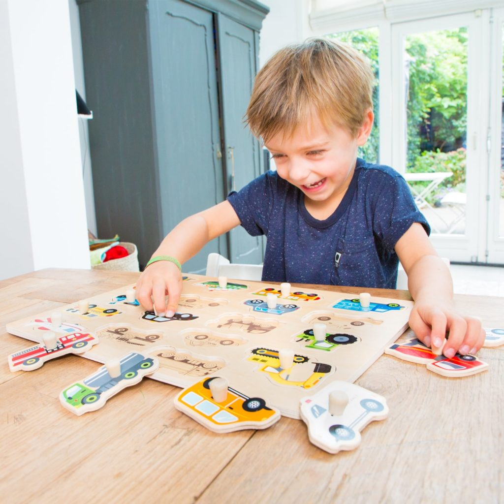 Детски дървен пъзел света на транспорта от New classic toys-bellamiestore