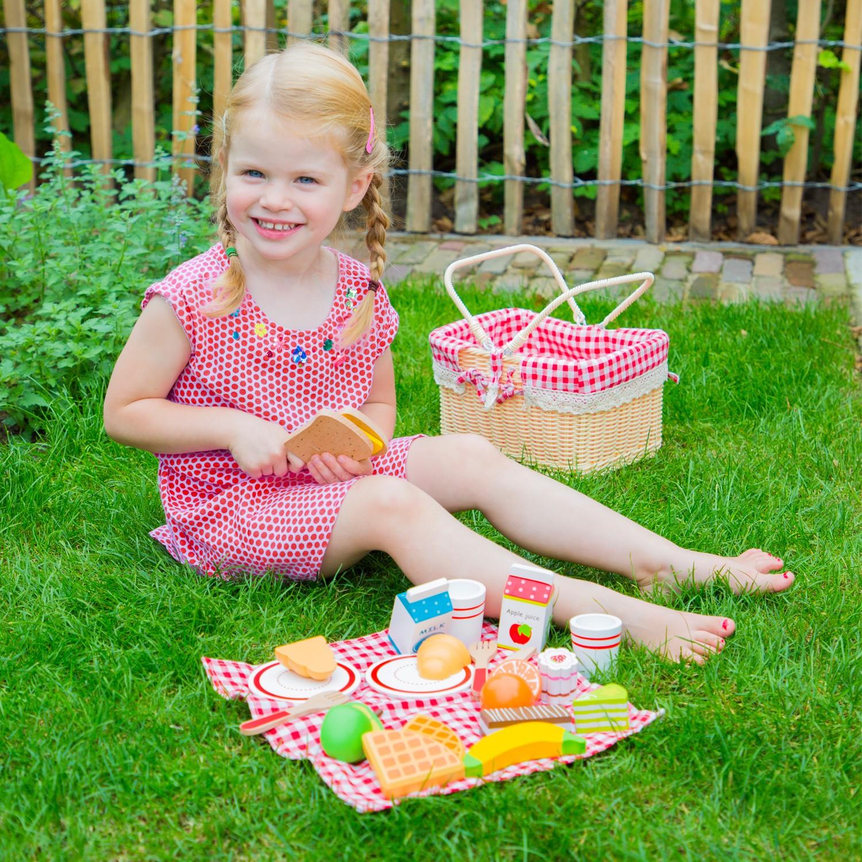 детски играчки за момичета-ролеви игри-дървена играчка-кошница за пикник(1)-bellamie