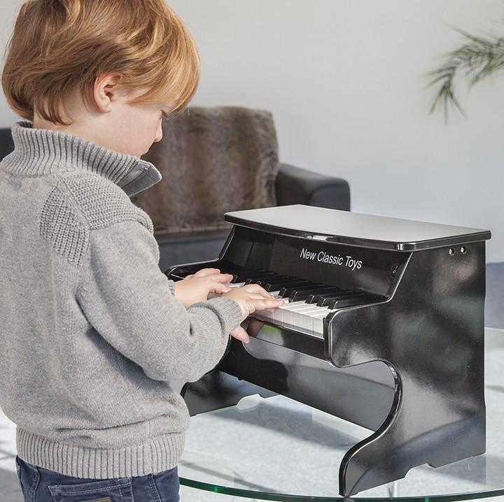 Детски музикален инструмент- дървено пиано- Bellamie