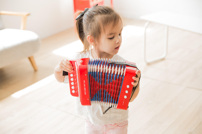 Детски музикални инструменти - червен акордеон -New classic toys(2)-bellamiestore