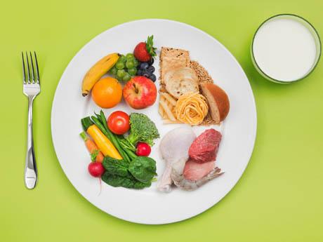 Предложете различни храни в малки порции-bellamie