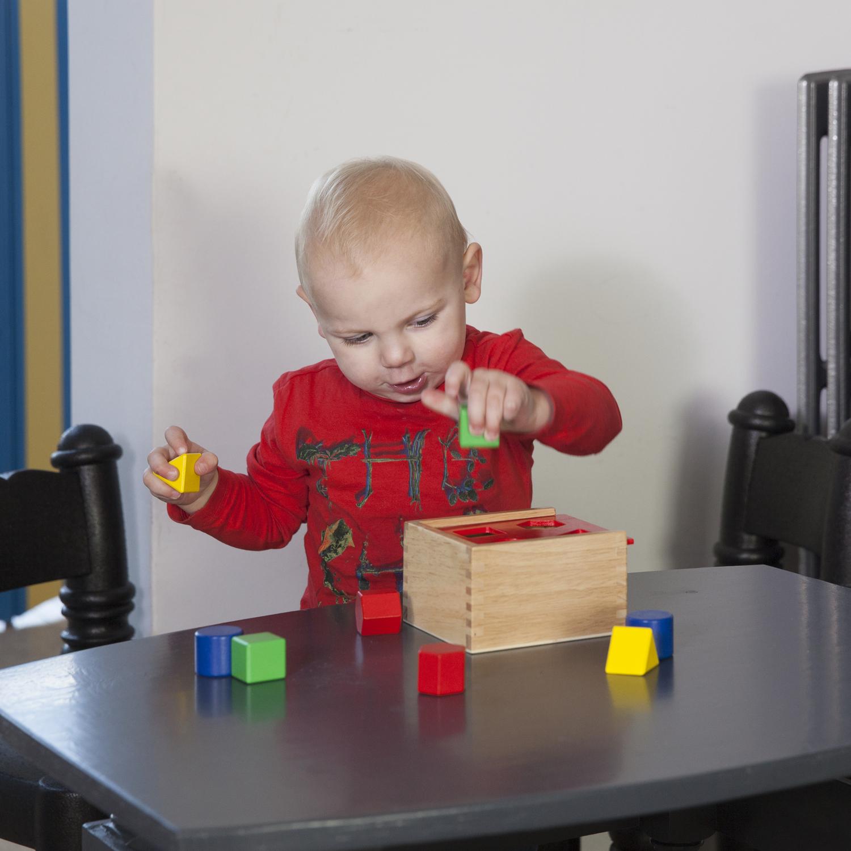 дървено кубче за сортиране на форми-дървени кубчета и сортери(1)-bellamie