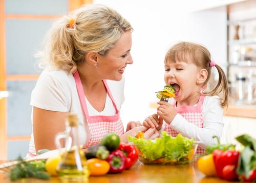 Защо децата трябва да ядат повече плодове и зеленчуци?