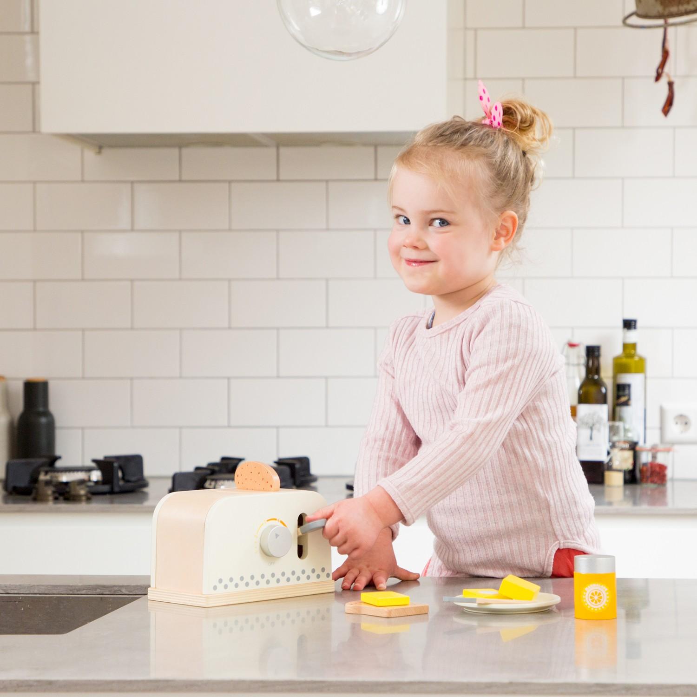 Детски дървен тостер - детска дървена кухня и аксесоари-дървена играчка(3)-bellamie