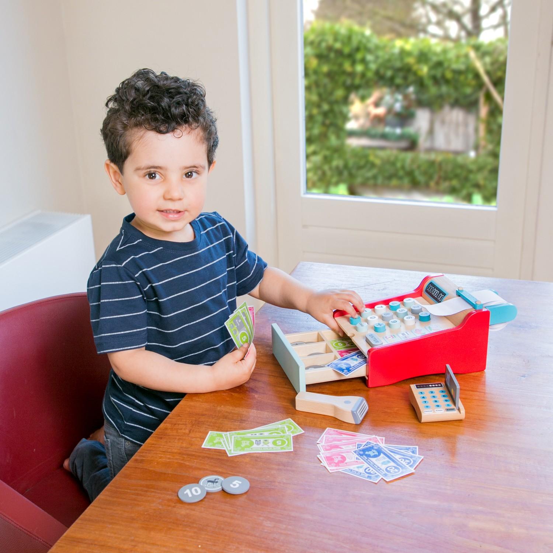 Детски касов апарат от New Classic Toys -дървена играчка(3)-bellamie