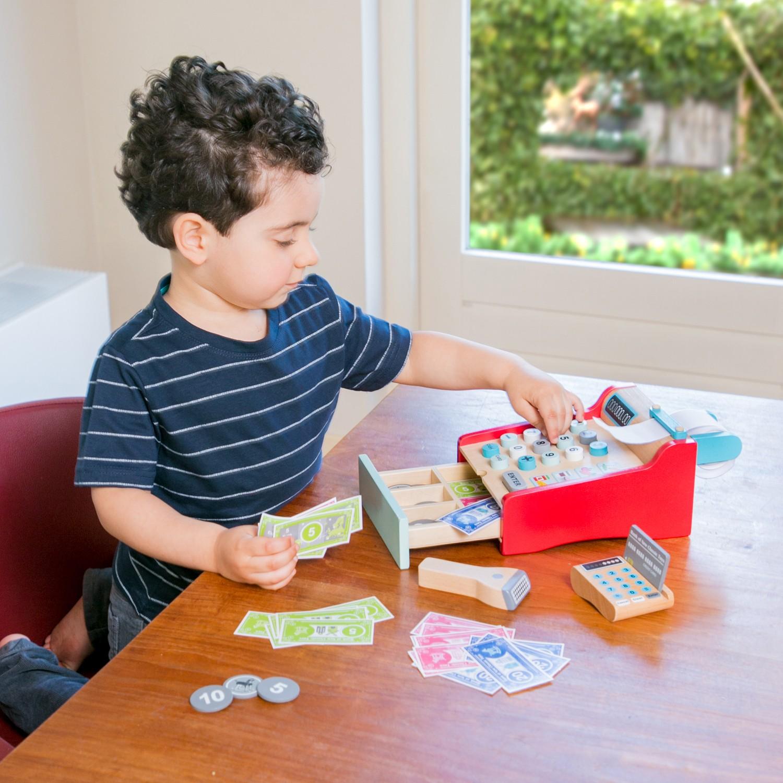 Детски касов апарат от New Classic Toys -дървена играчка(4)-bellamie