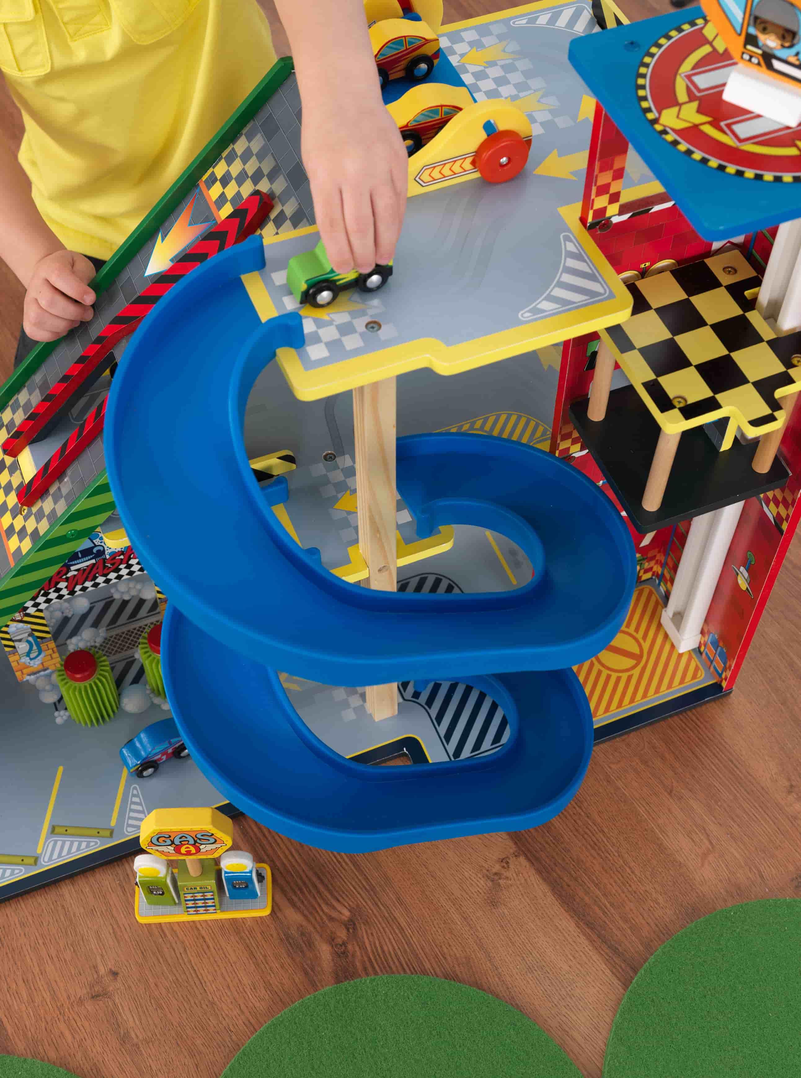 Детски дървен паркинг и голяма състезателна писта от KidKraft - детски играчки за момчета(7)-bellamiestore