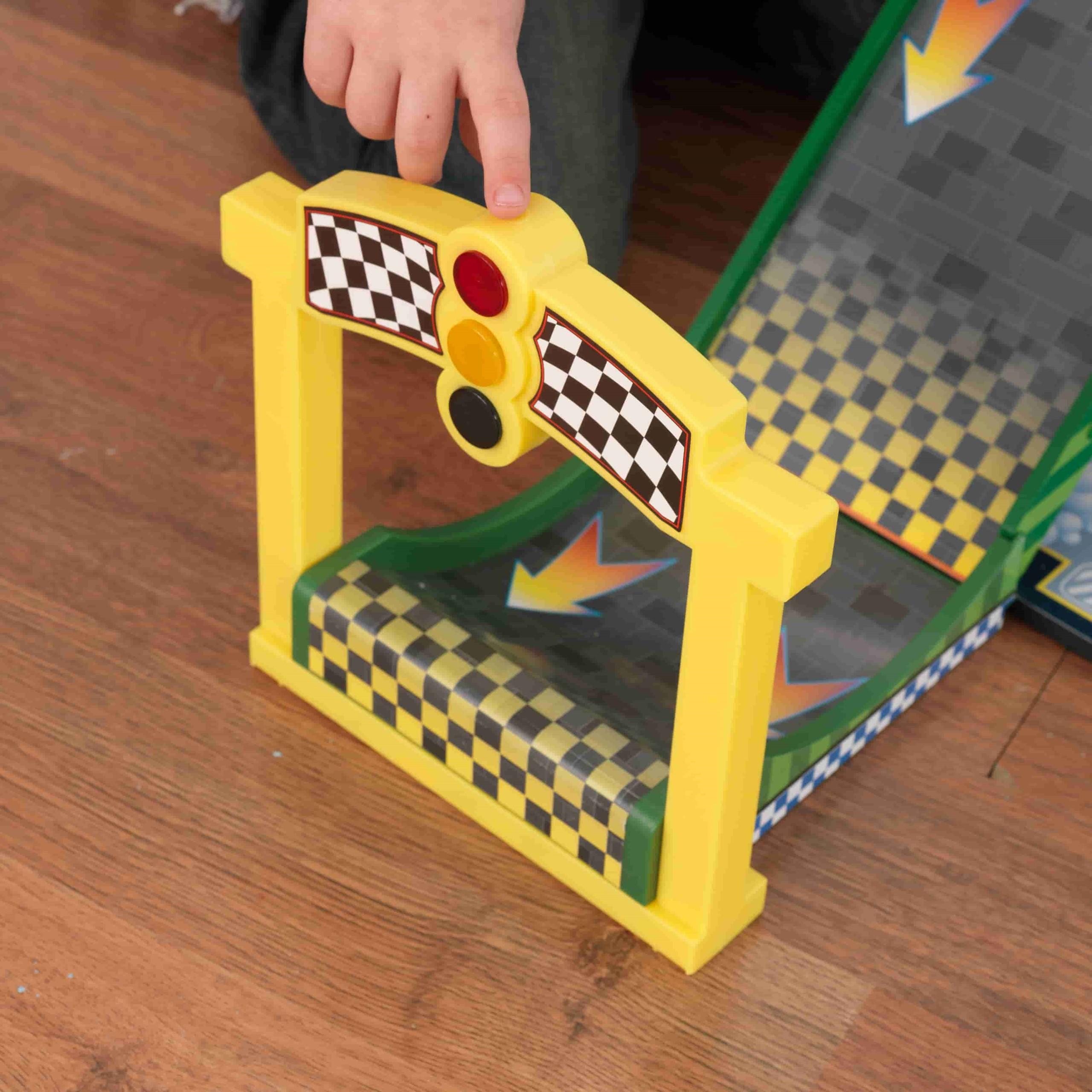 Детски дървен паркинг и голяма състезателна писта от KidKraft - детски играчки за момчета(11)-bellamiestore
