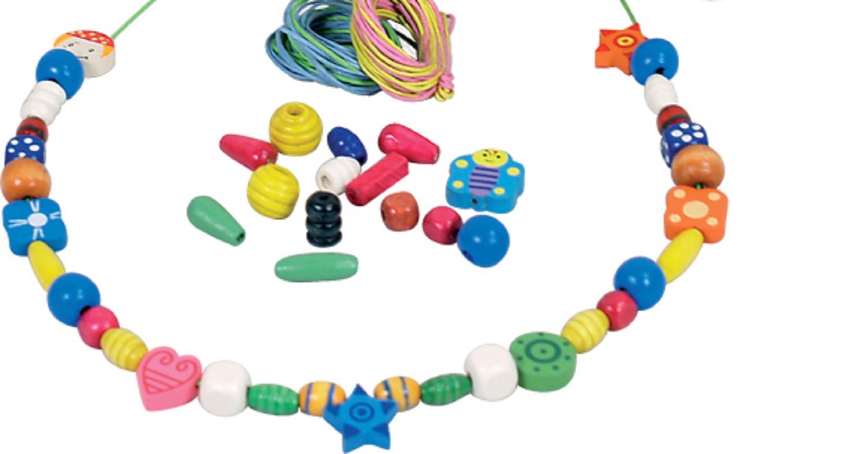 Цветни дървени мъниста за нанизване - 260 грама - дървена играчка за момичета от New classic toys(1)-bellamiestore