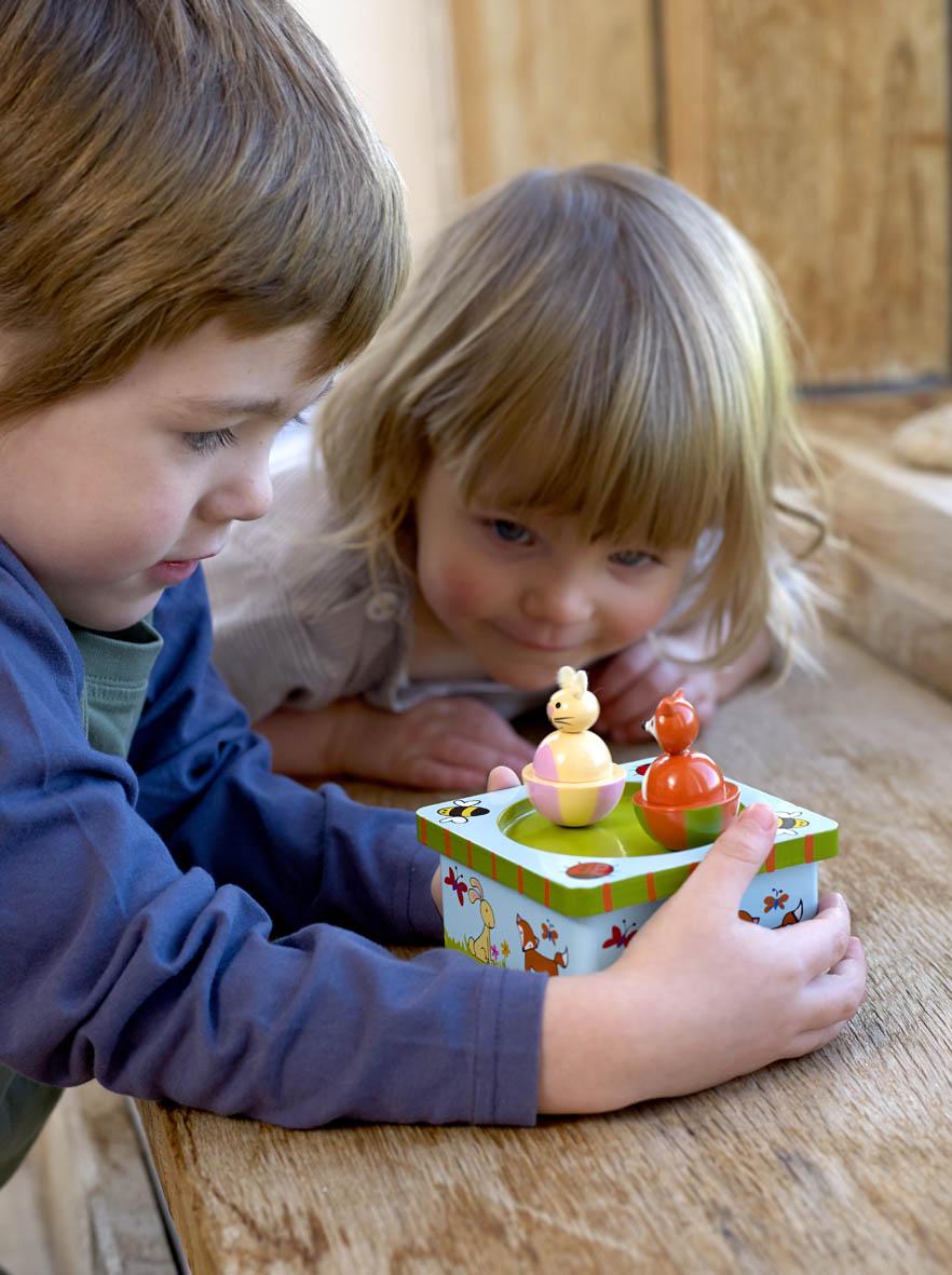 Дървена музикална кутийка – горска приказка – Orange Tree Toys – дървена играчка