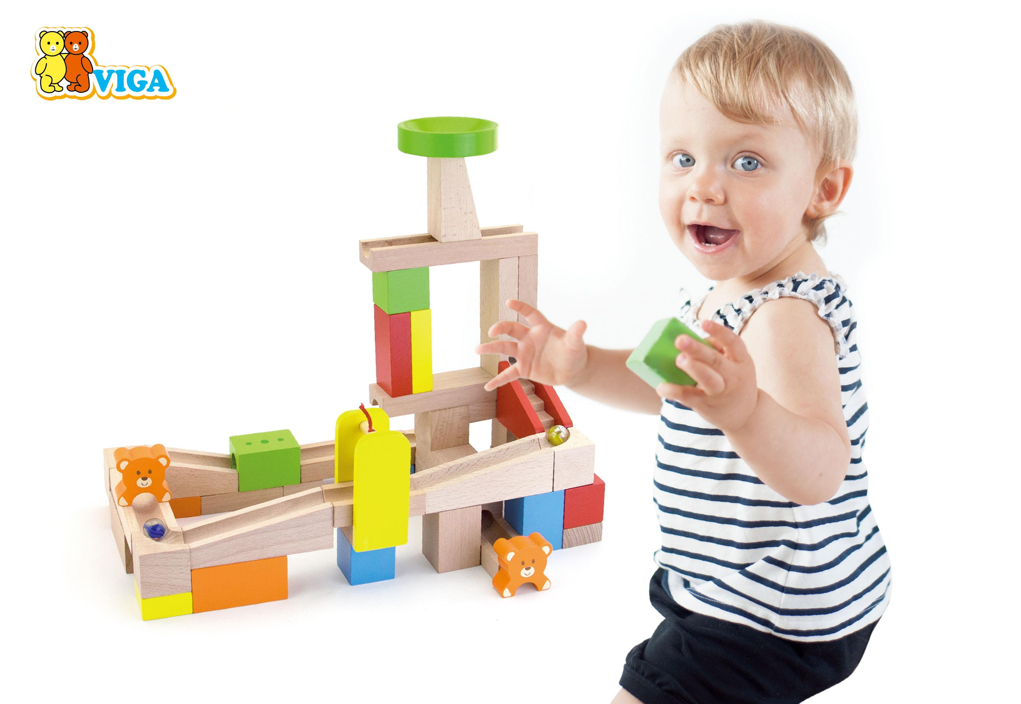Дървена писта и конструктор с топчета от Viga toys - дървена играчка-bellamiestore
