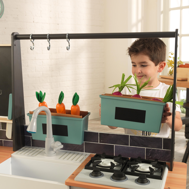 Детска дървена кухня от градината до кухнята – Kidkraft – дървени играчки