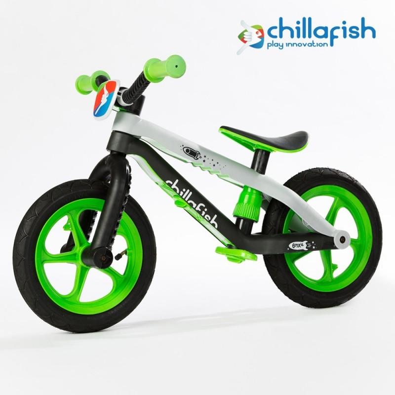 Детско колело за балансиране в зелено серия BMXie от Chillafish(3)-bellamiestore