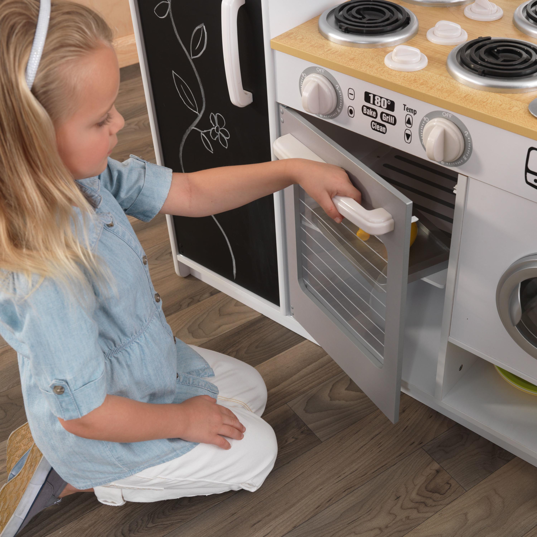 Голяма детска дървена кухня с хладилник Pepperpot от KidKraft