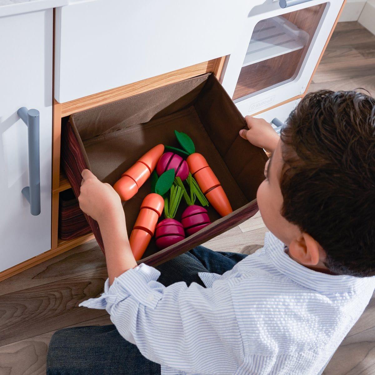 KidKraft детска дървена кухня с зеленчукова градина