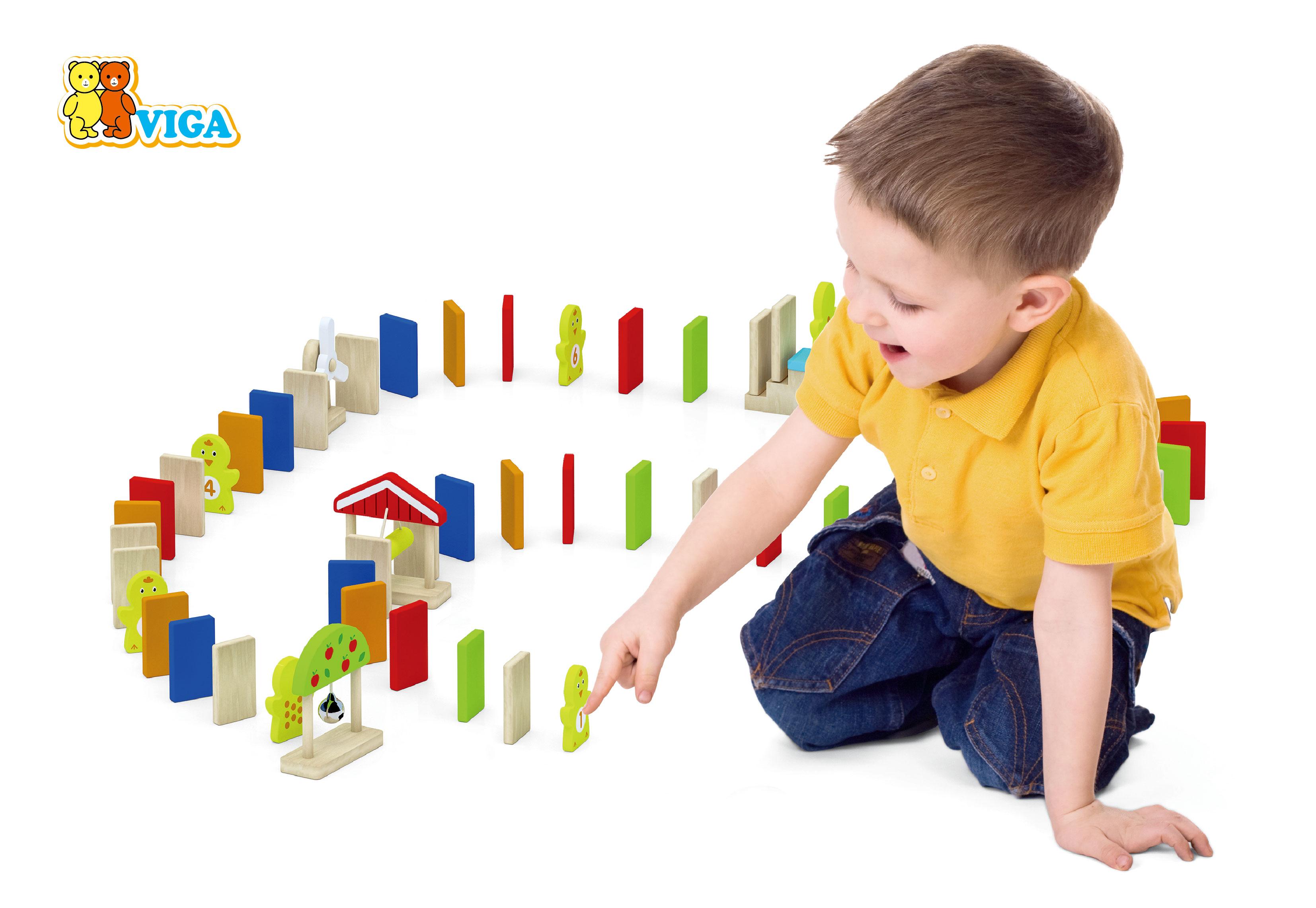 Образователна играчка – Домино за бутане от Viga toys