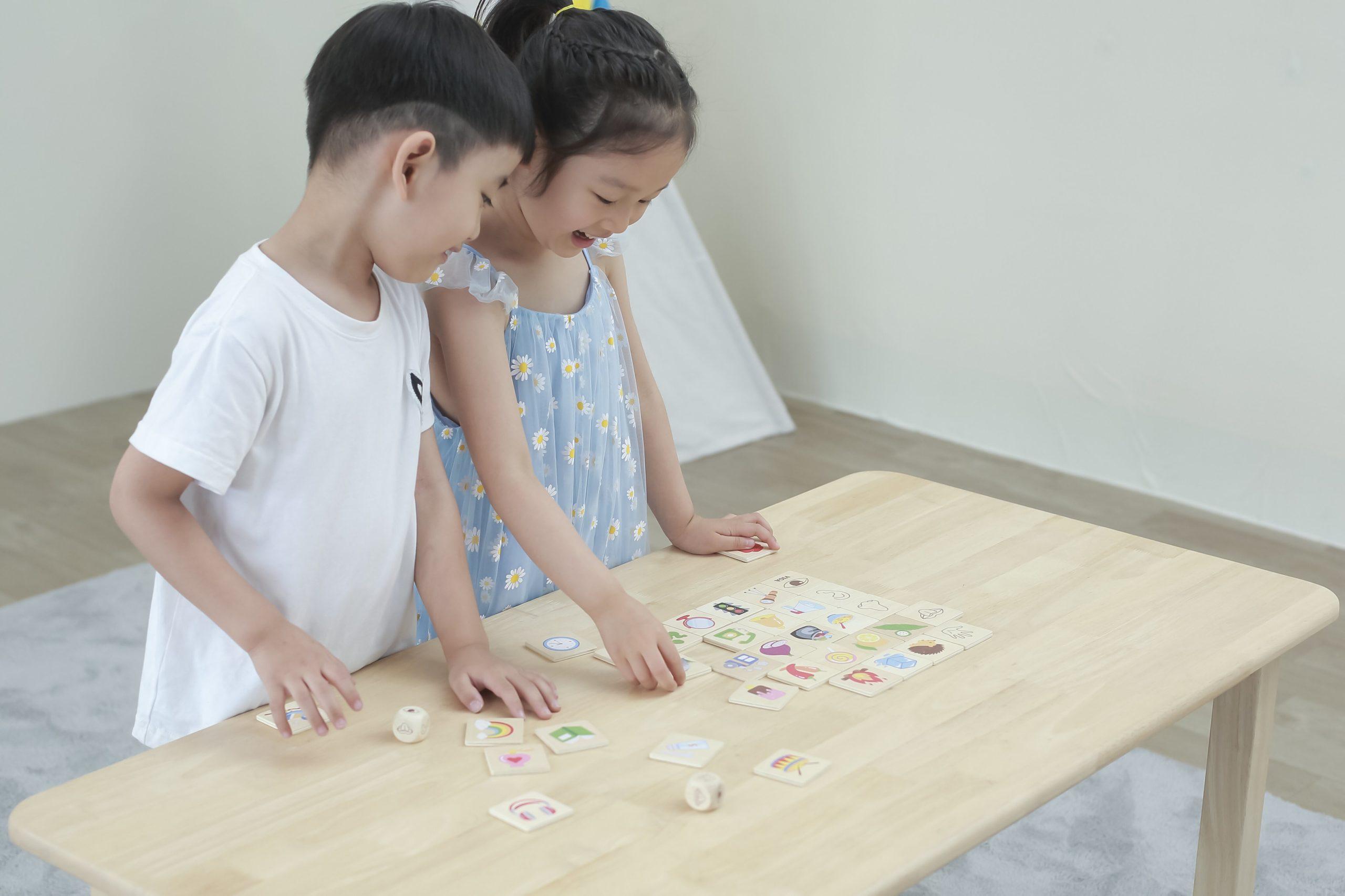 Дървена игра за запознаване със сетивата от Viga toys-bellamiestore