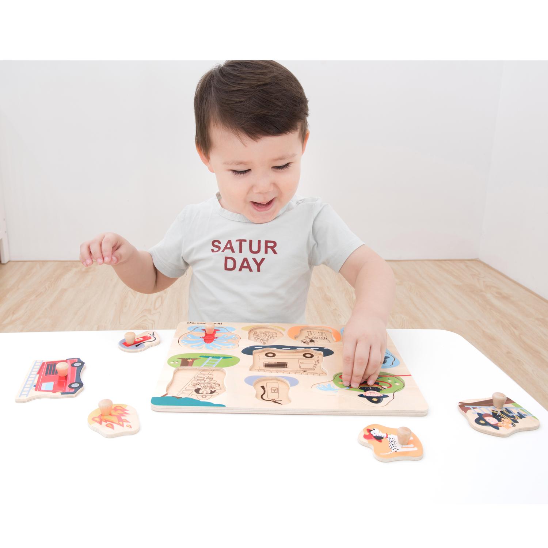 Дървен пъзел с дръжки Пожарната от New classic toys-bellamiestore