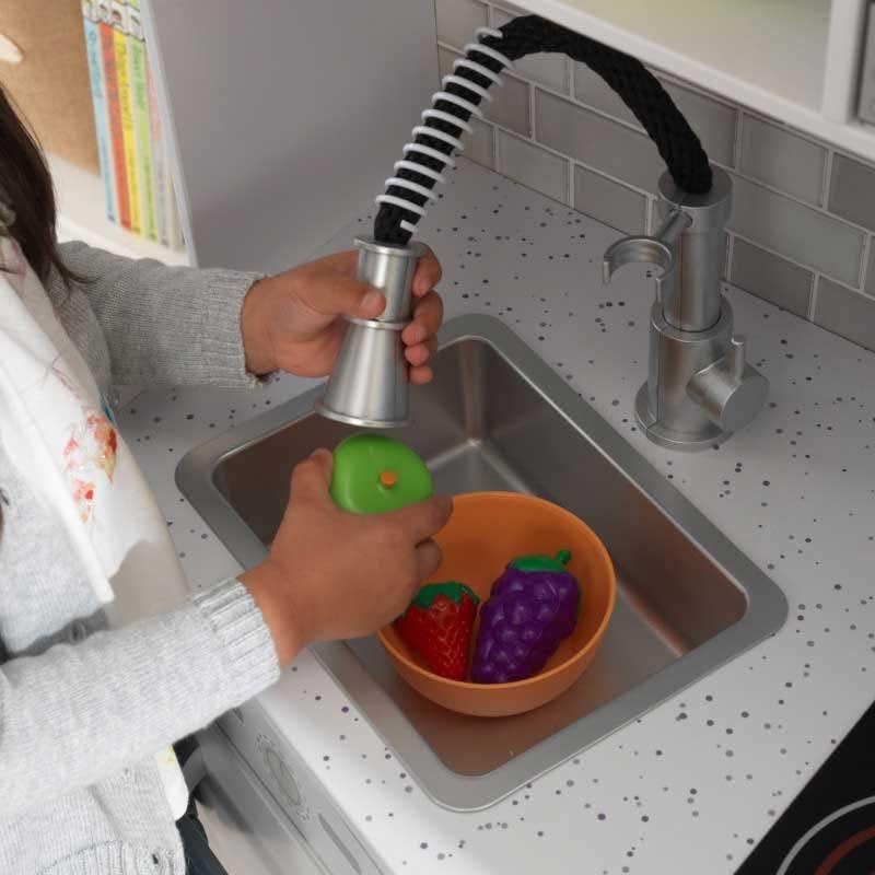 Детска дървена кухня със светлини и звуци от KidKraft-bellamiestore
