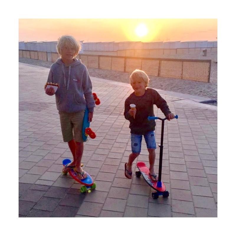 Цветна тротинетка и скейт 2 в 1 от Chillafish-bellamiestore